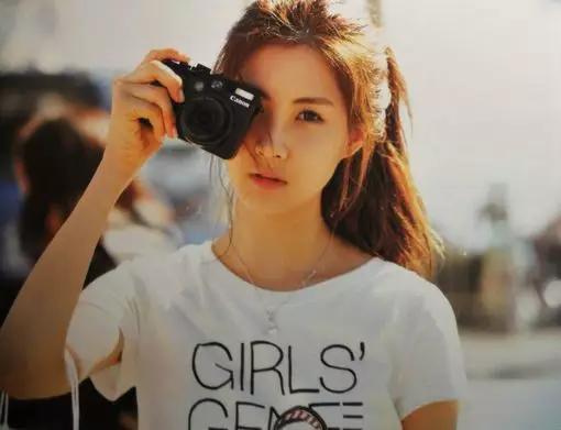 女生拍照姿势大全,把照片拍的美美哒
