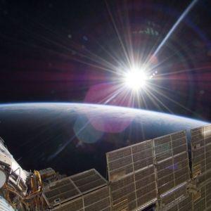 国际空间站拍最新地球夜景